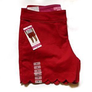 NWT Isaac Mizrahi scalloped hem tailored shorts